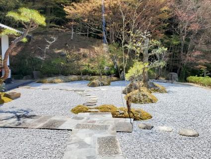 佐用町和庭リフォーム|板石再利用和モダンアプローチ