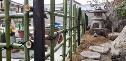 四ツ目垣 天然青竹の竹垣