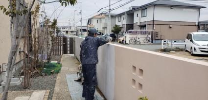 姫路市外構|塗り壁の汚れを改修塗り