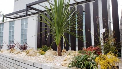姫路市のリゾート風の庭