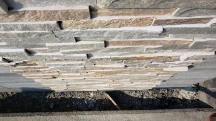 姫路市新築外構|門柱アクセント自然石貼り