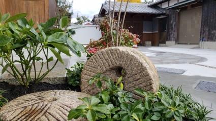 石臼再利用ガーデンリフォーム