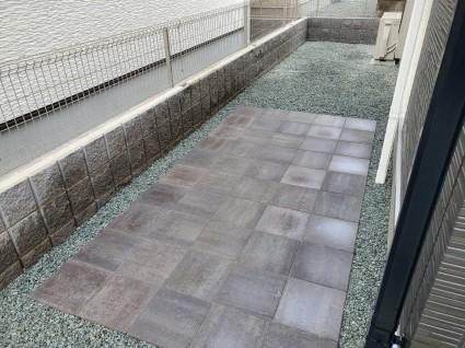 姫路市駐輪場舗装平板敷