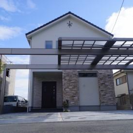 姫路市外構|三台分駐車可能なかっこいい大型カーポートUスタイルのある新...