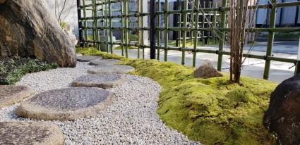 姫路市ガーデンリフォーム|飛石据え直し