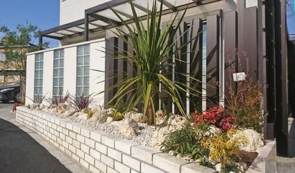 白煉瓦の花壇植栽工事