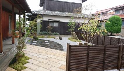 姫路市庭|竹垣で囲った坪庭
